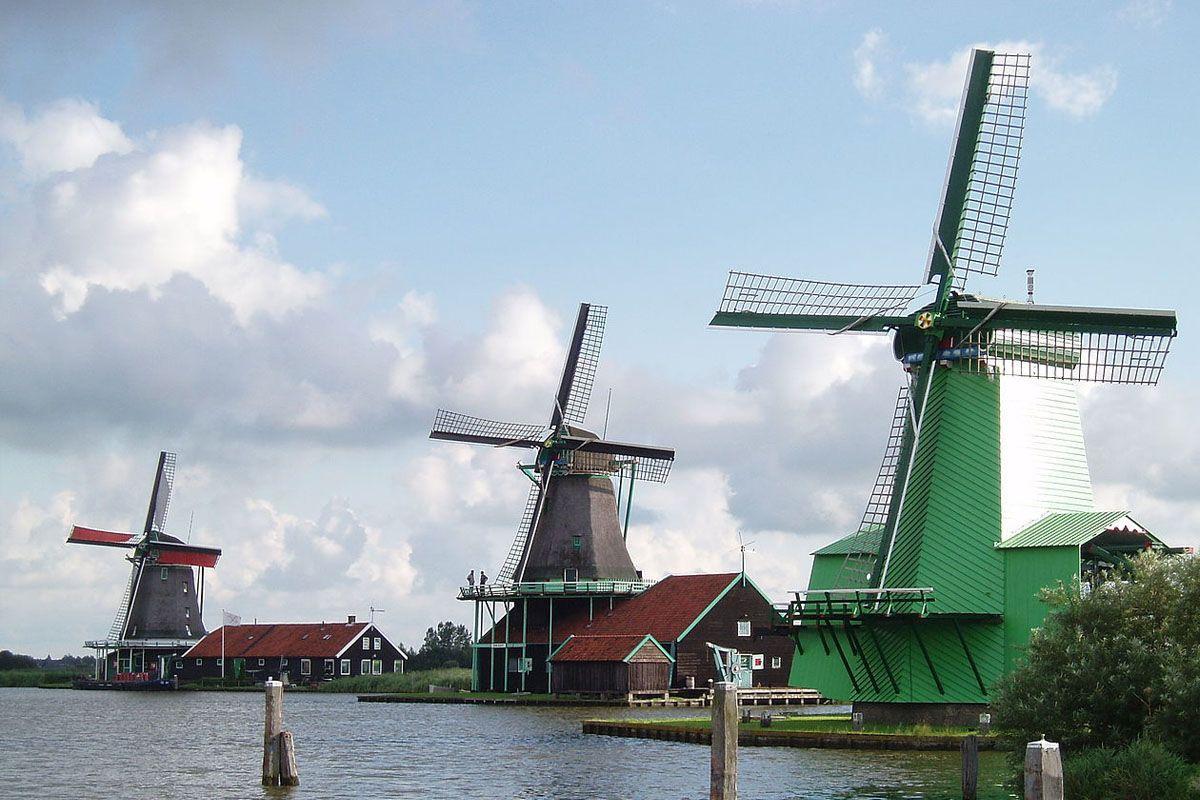 3 molens, uitvaart in Zaandam / Zaanstreek