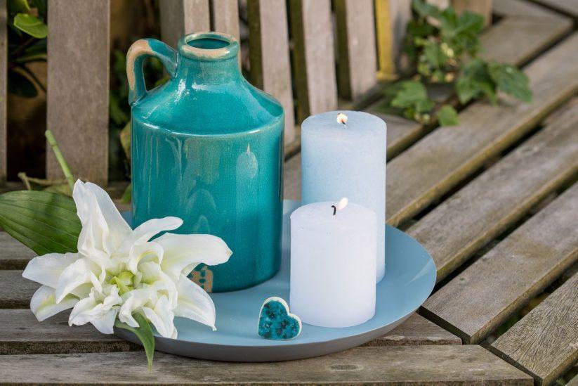 De Vries uitvaartverzorging - kaarsen, vaas, hartje
