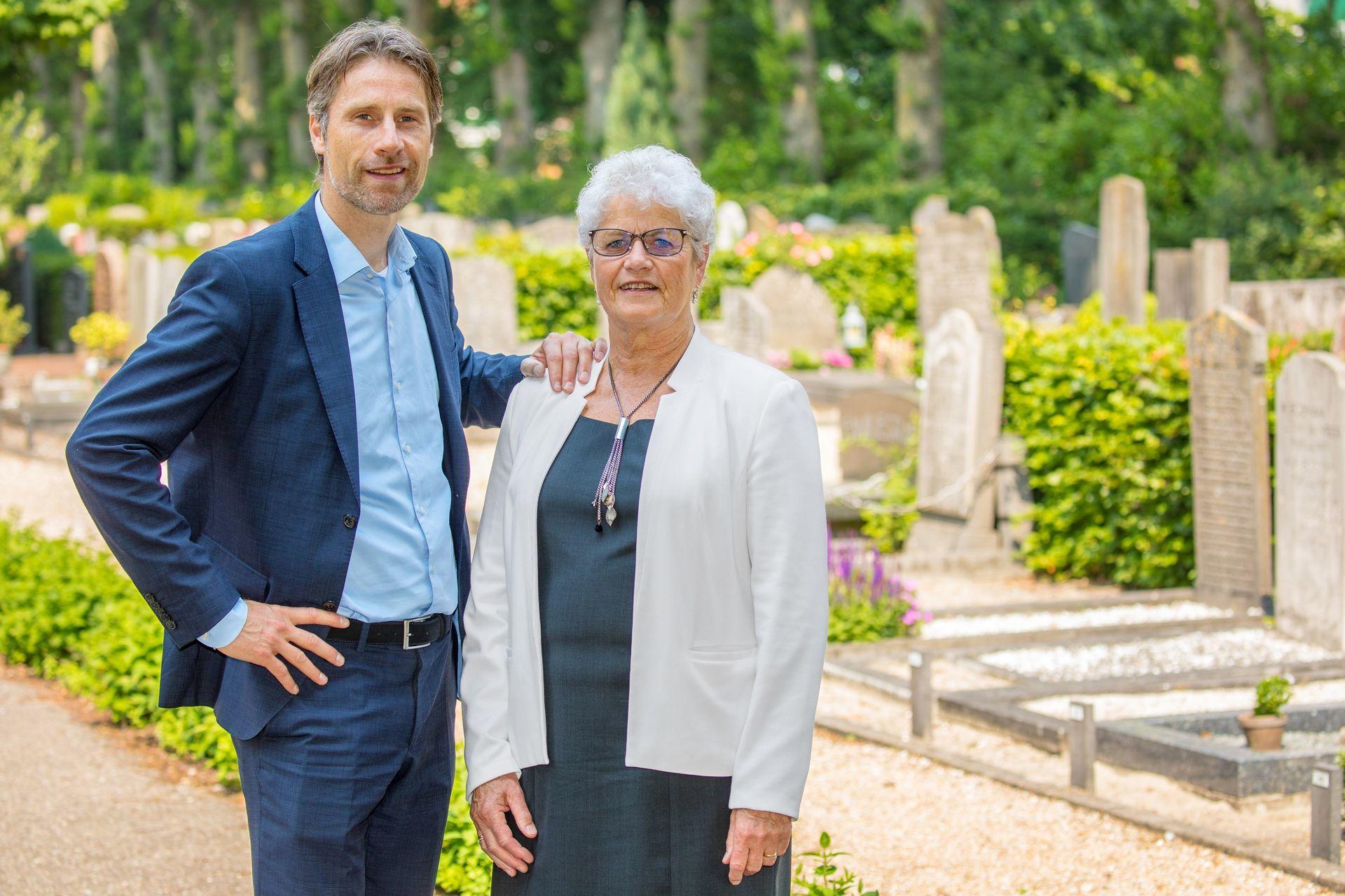 Elly Marco Uitvaartverzorging De Vries Begraafplaats Landsmeer