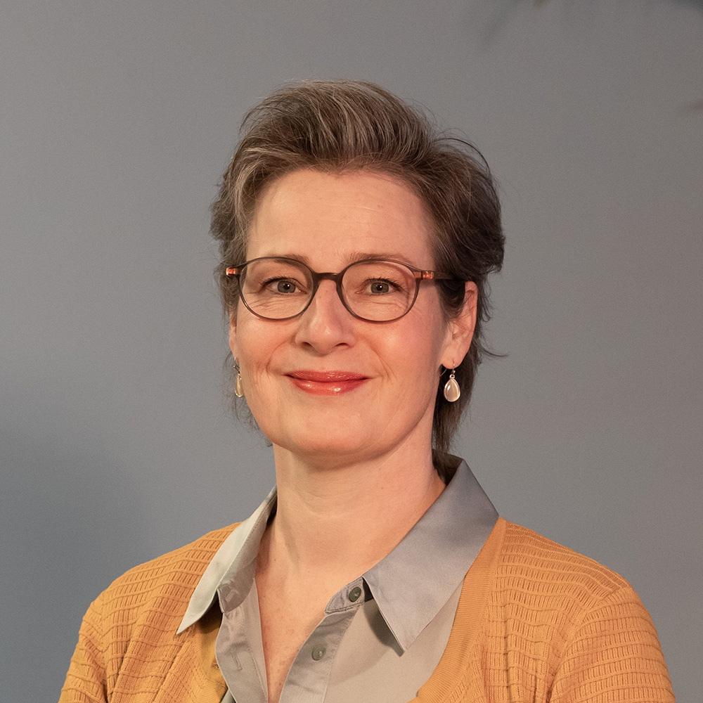 Christa Smit, Uitvaart onderneming landsmeer
