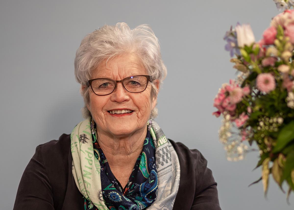 Elly de Vries, uitvaartondernemer
