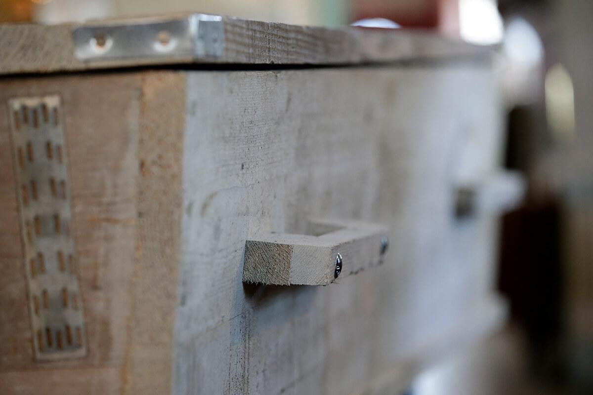 Kisten, Uitvaartverzorging De Vries